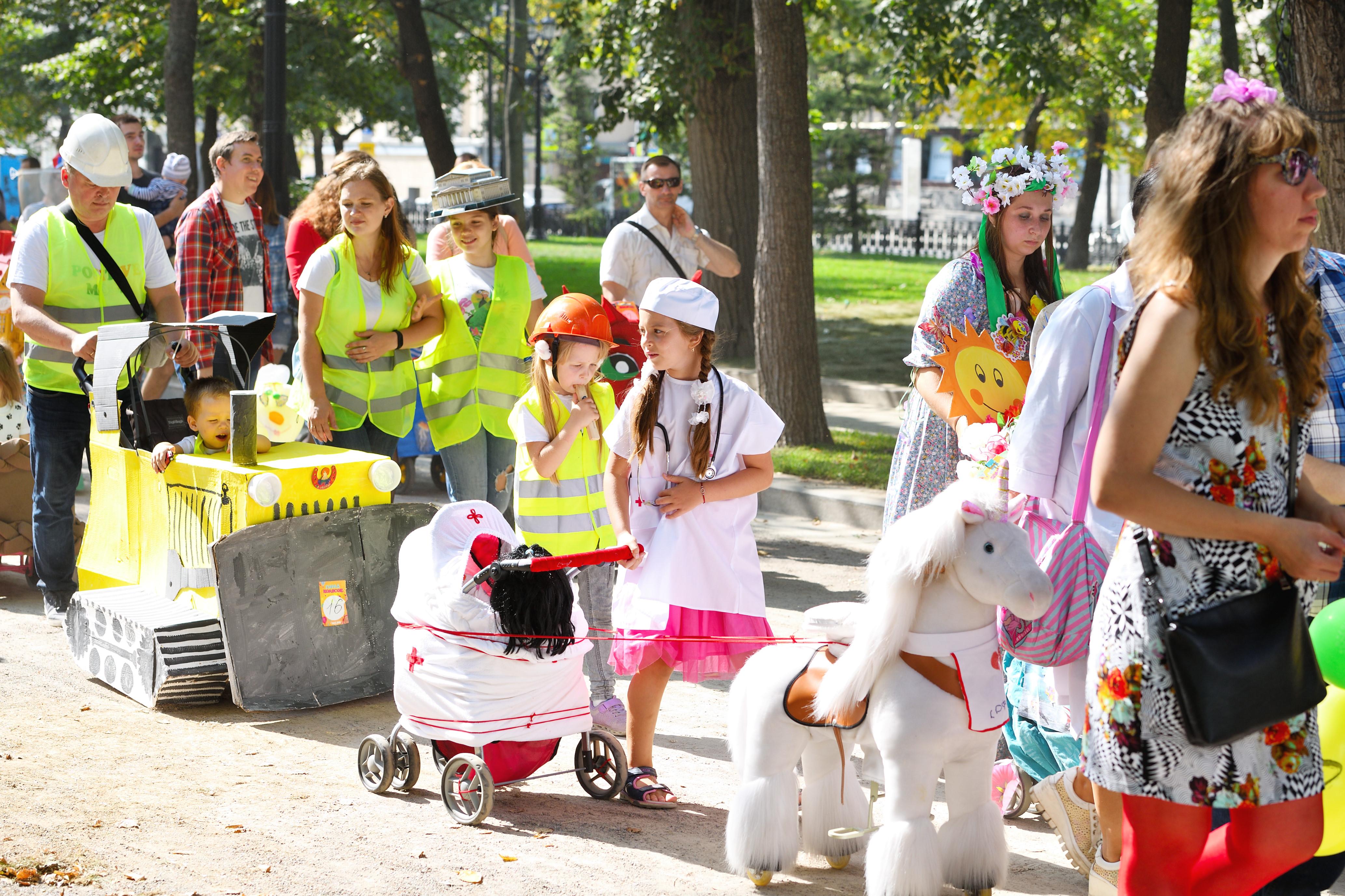 парад колясок цыпленок фото панфилов студенческие